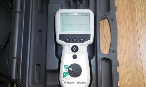 Поиск повреждений кабеля Киев Рефлектометр  Megger TDR 5003