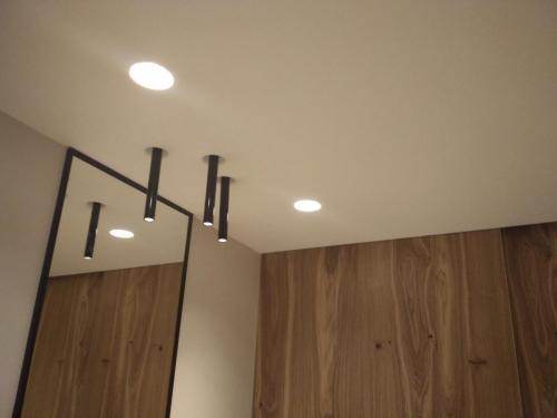 монтаж и установка точечных светильников в гипсокартон
